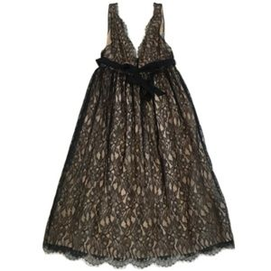 NWT Wyeth by Todd Magill Black Lace Gown